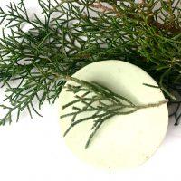 jabon natural de glicerina y manteca de karité de algas y ciprés